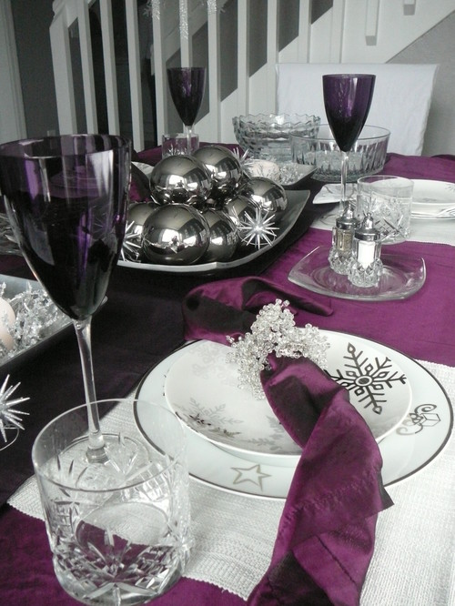 Purple christmas table setting emerald interiors blog for Table setting design